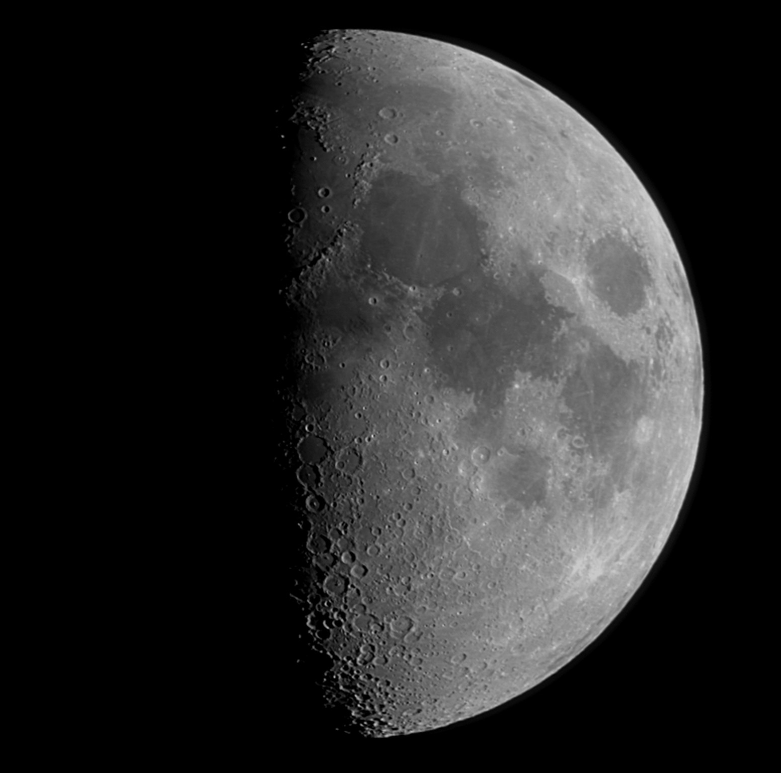 Luna un giorno dopo il primo quarto 29-12-14 Etx70 Dmk41AS elaborazinone Registax